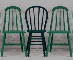 3 sillas de color verde